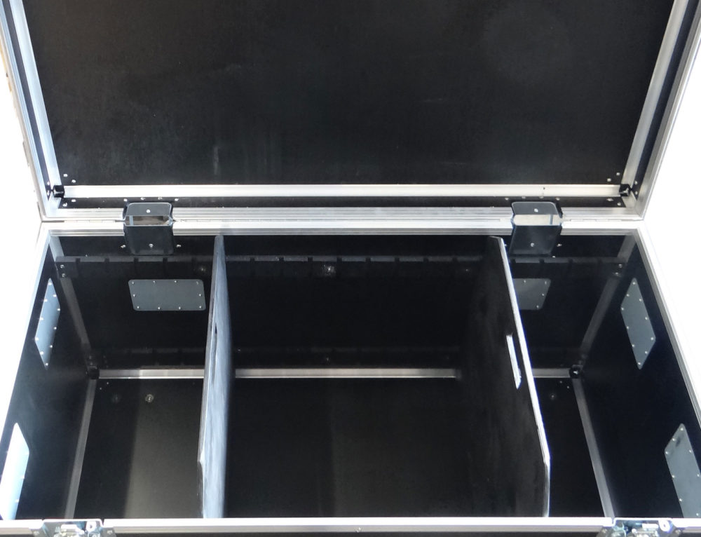 Bespoke flightcase with internal divider